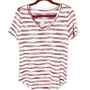💥Maurices top v neck size small red blue white